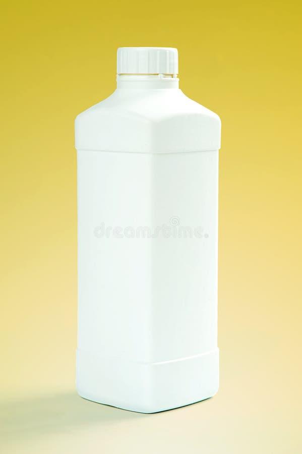 Bottiglia di plastica bianca immagine stock libera da diritti