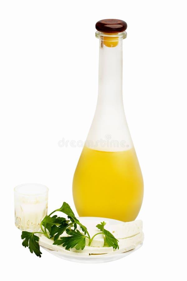 Bottiglia e vetro di vodka immagini stock libere da diritti