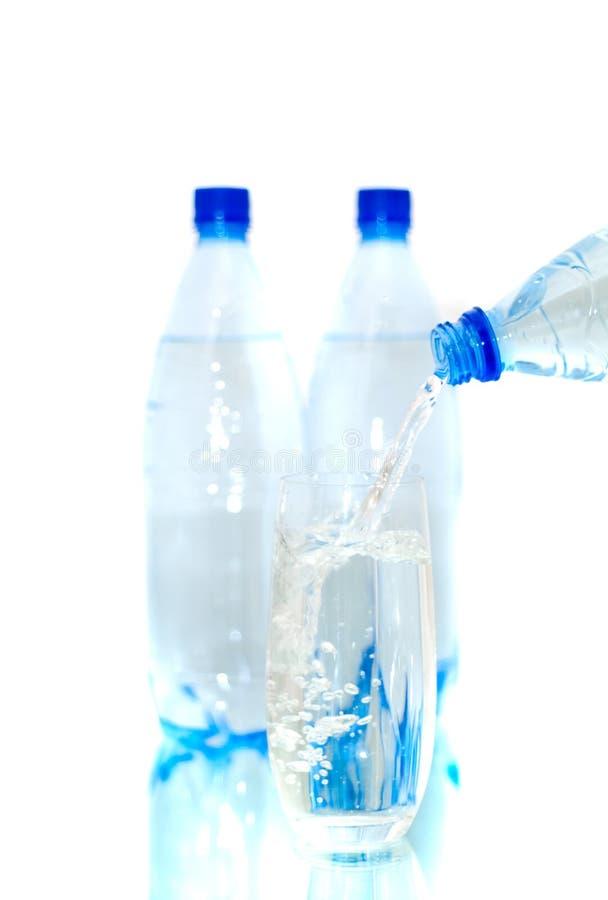 Bottiglie di acqua minerale fotografie stock