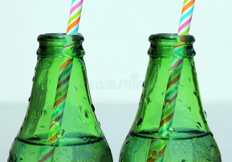 Bottiglie di vetro di acqua immagini stock libere da diritti