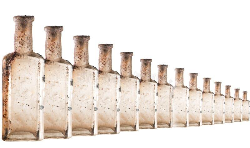 Bottiglie di vetro di tintura e di olio di tintura raccolte su fondo bianco Bottiglie doppie con giacimenti di calcio immagine stock libera da diritti