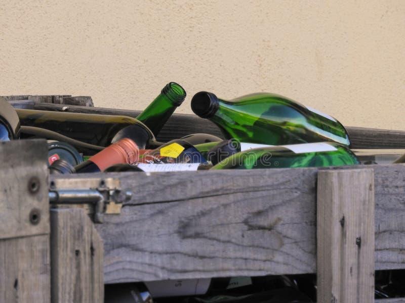 Bottiglie vuote della vite fotografie stock libere da diritti