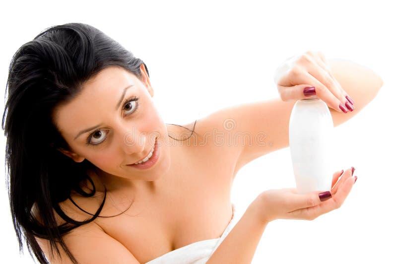 bottle female lotion portrait posing στοκ εικόνα με δικαίωμα ελεύθερης χρήσης