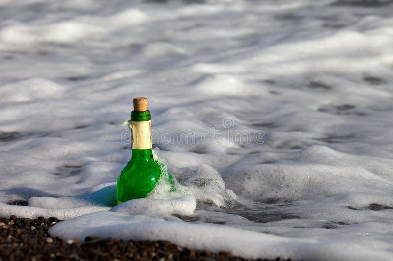 Download Bottle Of Wine In Sea Stock Photography - Image: 27536172