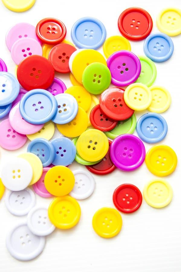 Bottoni assortiti luminosi, immagine stock libera da diritti