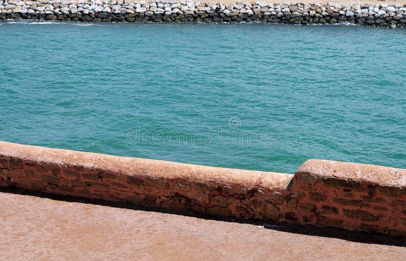 Bou Regreg van stadsmuur wordt gezien van casbah des oudaias in Rabat, M dat stock afbeeldingen