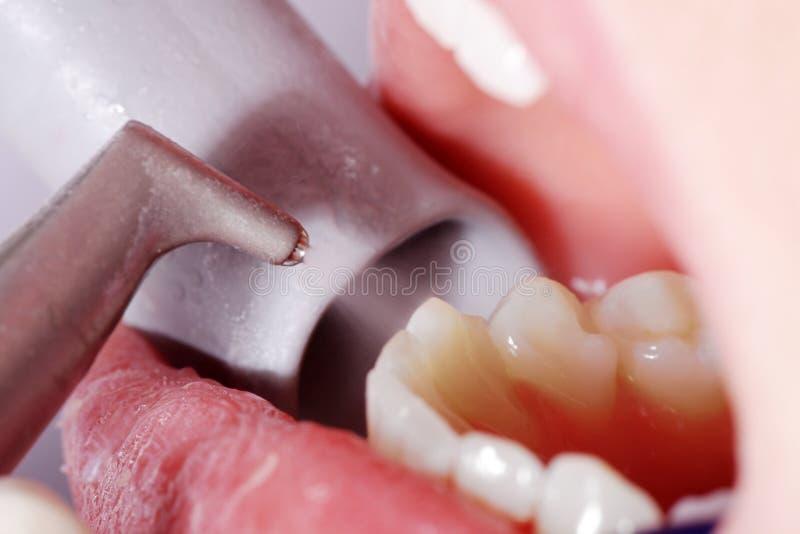 Bouche en gros plan et dents images stock