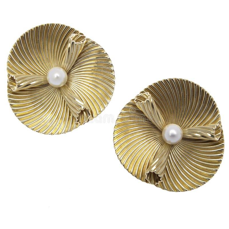 Boucles d'oreille d'or et de perle image libre de droits