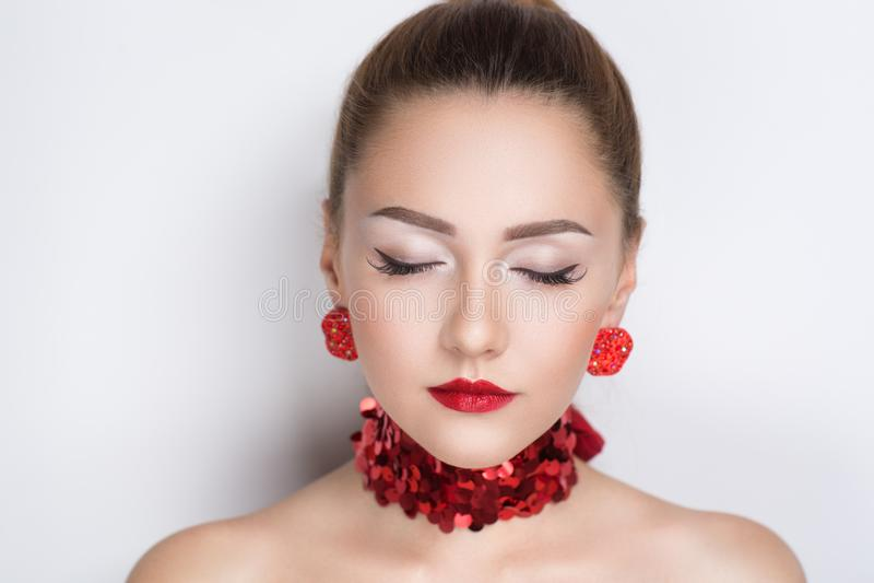 Boucles d'oreille de collier de bijoux photo stock