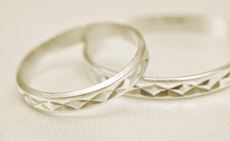 Boucles de mariage macro photo stock