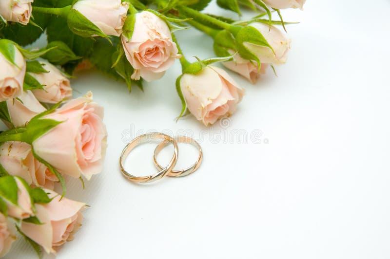 Boucles et roses images libres de droits