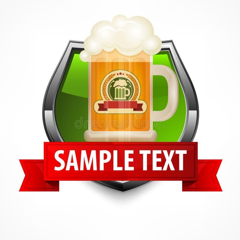 Bouclier avec la tasse en verre de bière illustration stock