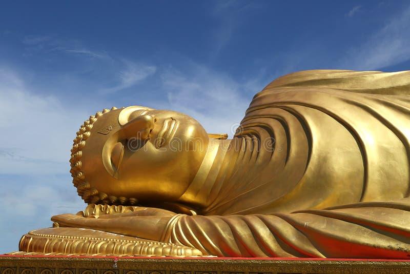 Bouddha étendu images libres de droits