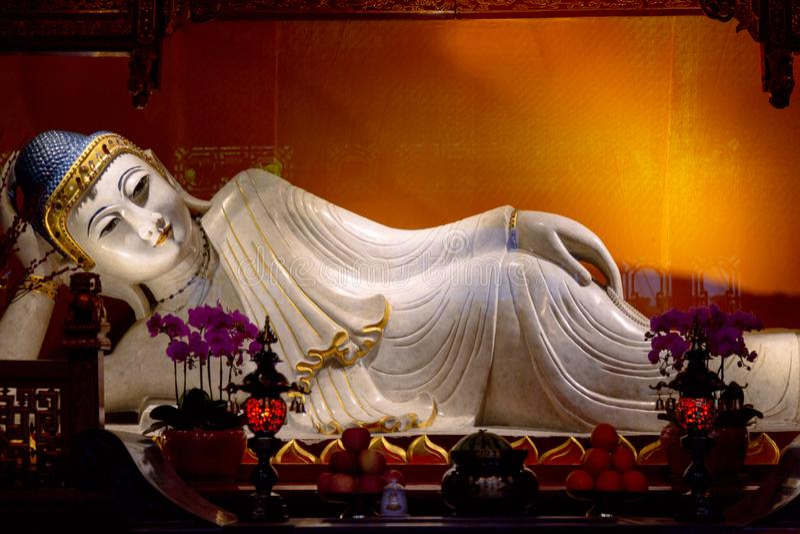 Bouddha étendu dans le temple de Jade Buddha Changha?, Chine photos stock