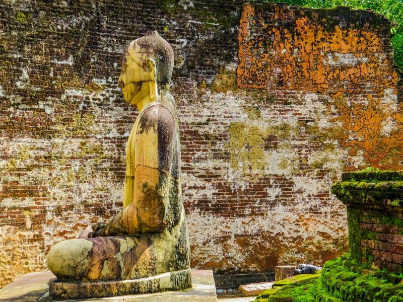 Bouddha assis à Vatadage, Polonnaruwa, Sri Lanka photographie stock
