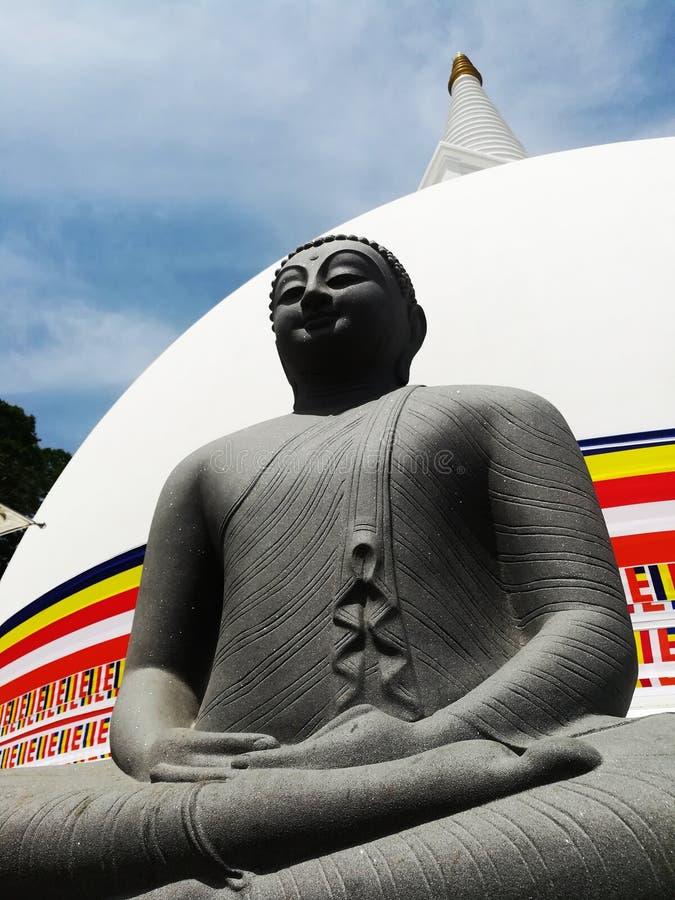 Bouddha avec le stupa images libres de droits