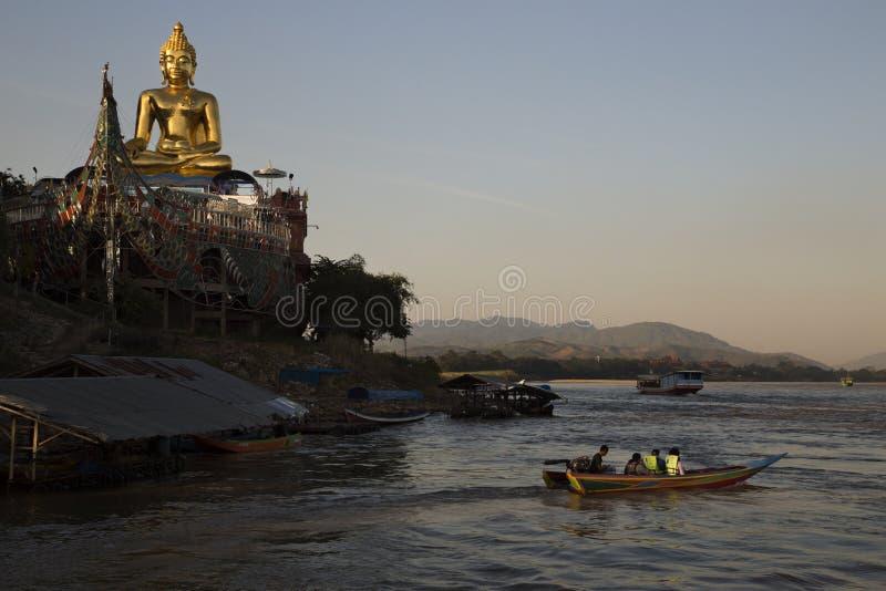 Bouddha d'or à la concession Ruak photographie stock libre de droits