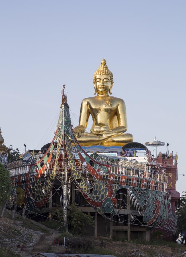 Bouddha d'or à la concession Ruak images stock