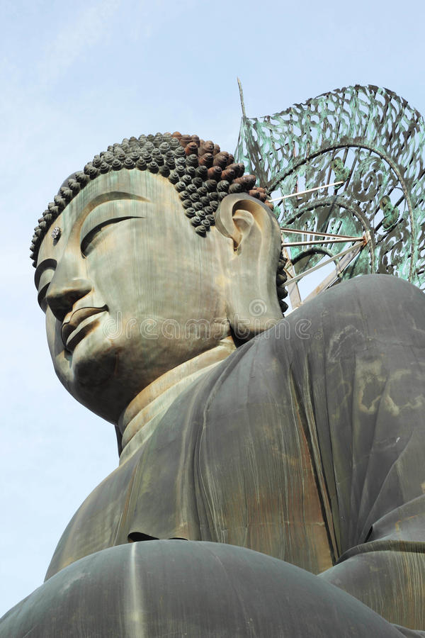 Bouddha dans le temple de Sinheungsa au parc national de Seoraksan, Sout images stock