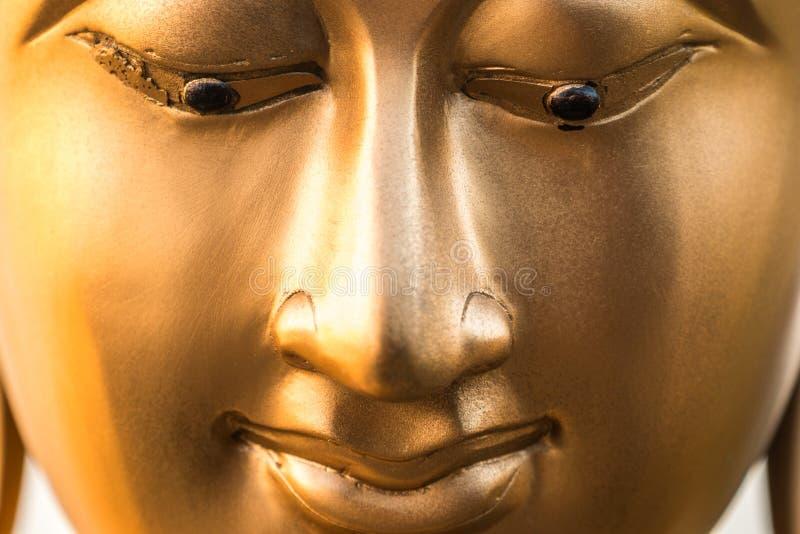 Bouddha font face, temple de Seema Malaka sur le lac beira Le Sri Lanka photographie stock libre de droits