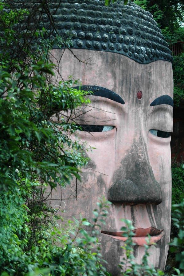 Bouddha géant dans Leshan, porcelaine. photos stock