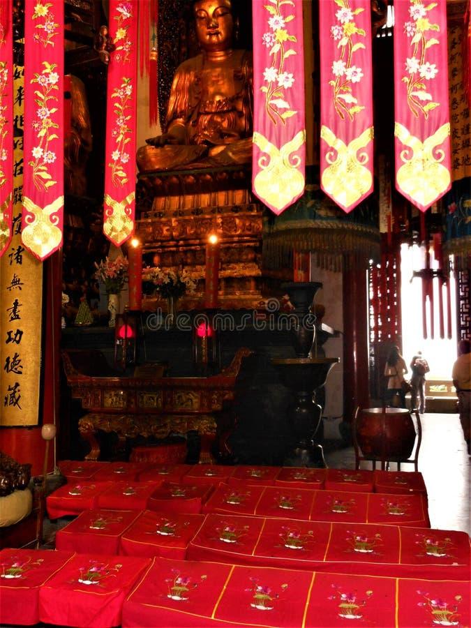 Bouddhisme, fascination, beauté et dévotion en Chine photos stock