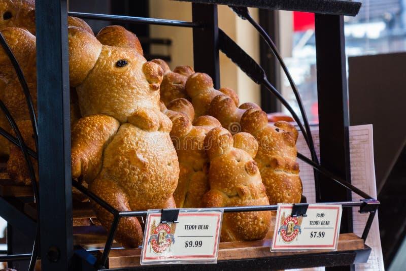 Boudin piekarnia, San Francisco, Kalifornia, cudacki zwierzę kształtował sourdough chleb obraz stock