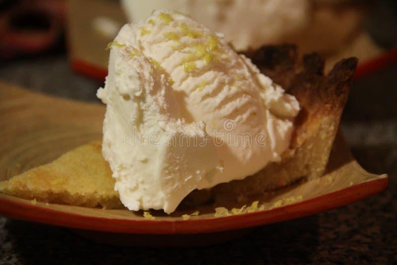 Boue de chaux avec la crème glacée  image libre de droits