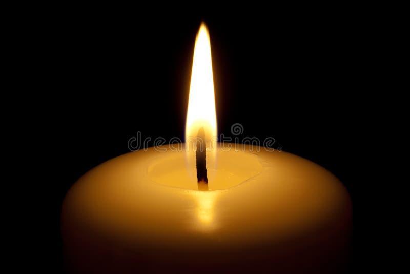 Bougie brûlante. photo stock