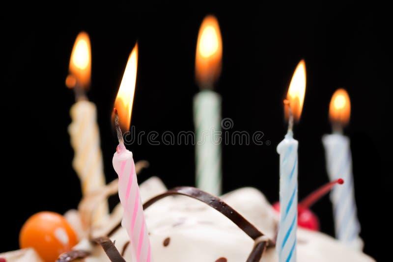Bougie de gâteau d'anniversaire photographie stock