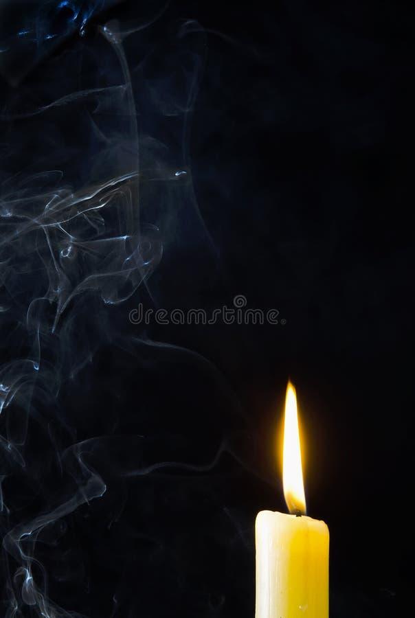 Bougie, flamme, fumée photo stock