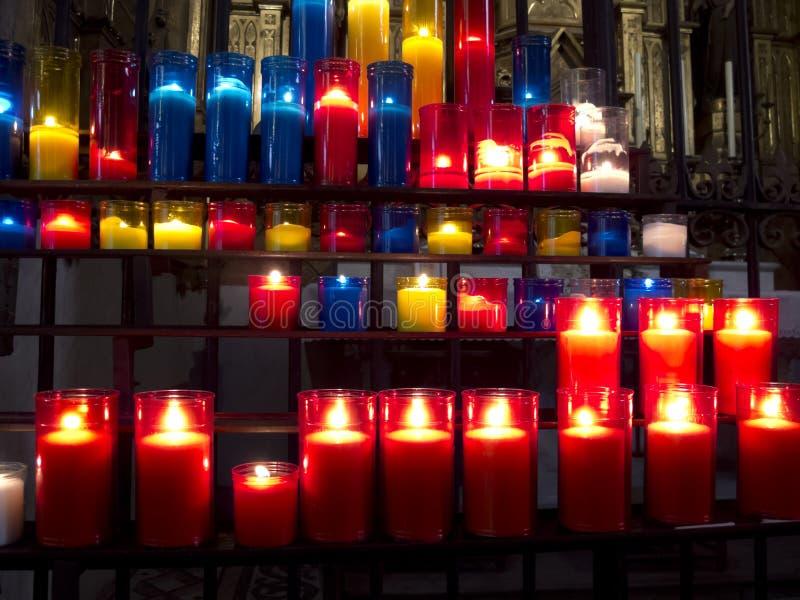 Bougies d'église images libres de droits