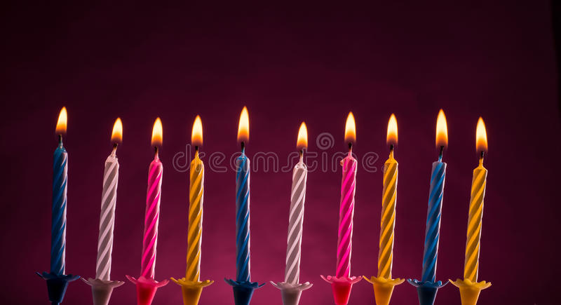 Bougies d'anniversaire images stock