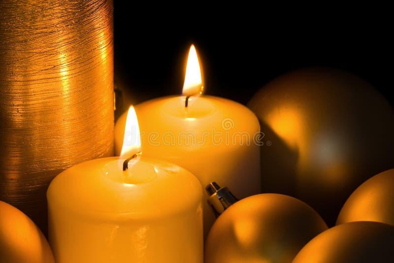 Bougies d'or de Noël photo libre de droits