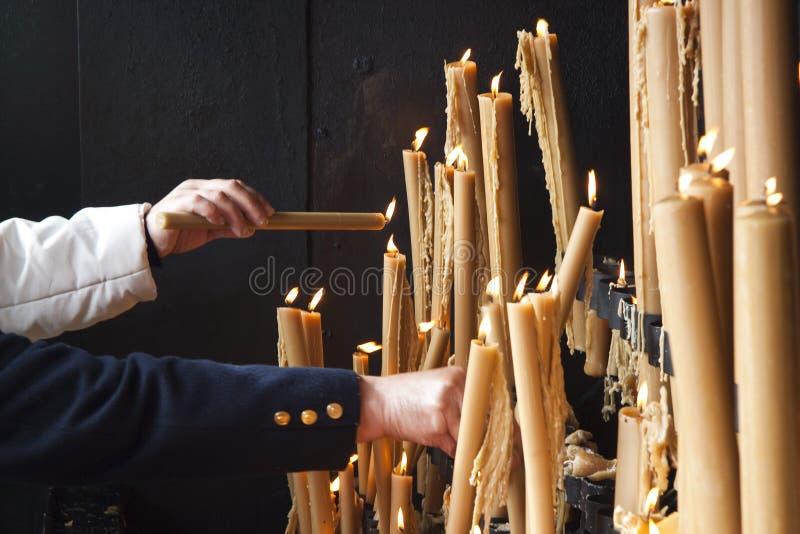 Bougies dans le sanctuaire de Fatima photos libres de droits