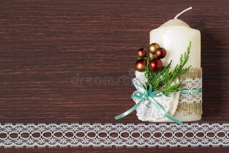 Bougies de décoration de Noël avec vos propres mains Étape 7 photo libre de droits