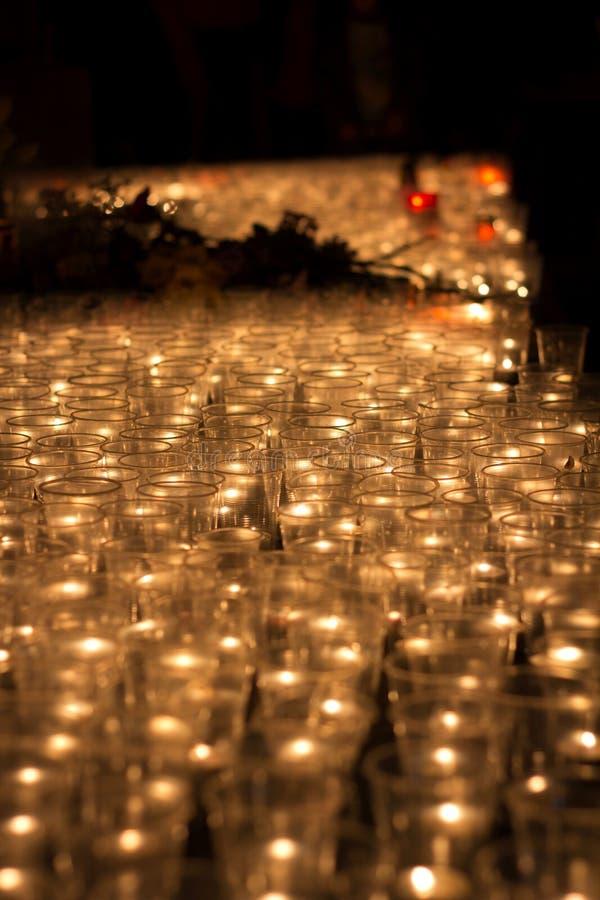 Bougies de prière image libre de droits