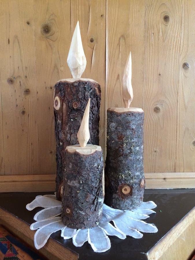 Bougies en bois de vieille ville de neige d'art antique photo stock