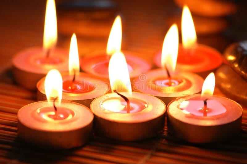 Bougies parfumées brûlantes photo libre de droits