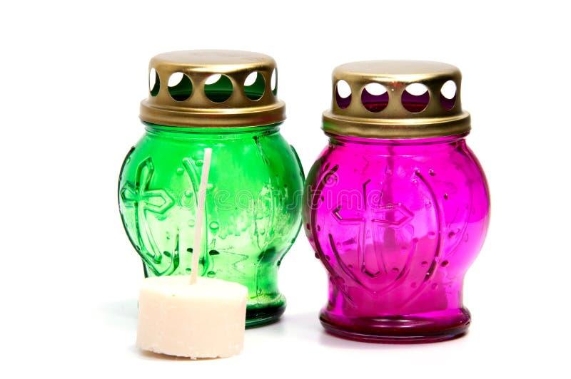 Bougies votives d'isolement sur le fond blanc avec le chemin de coupure photos libres de droits