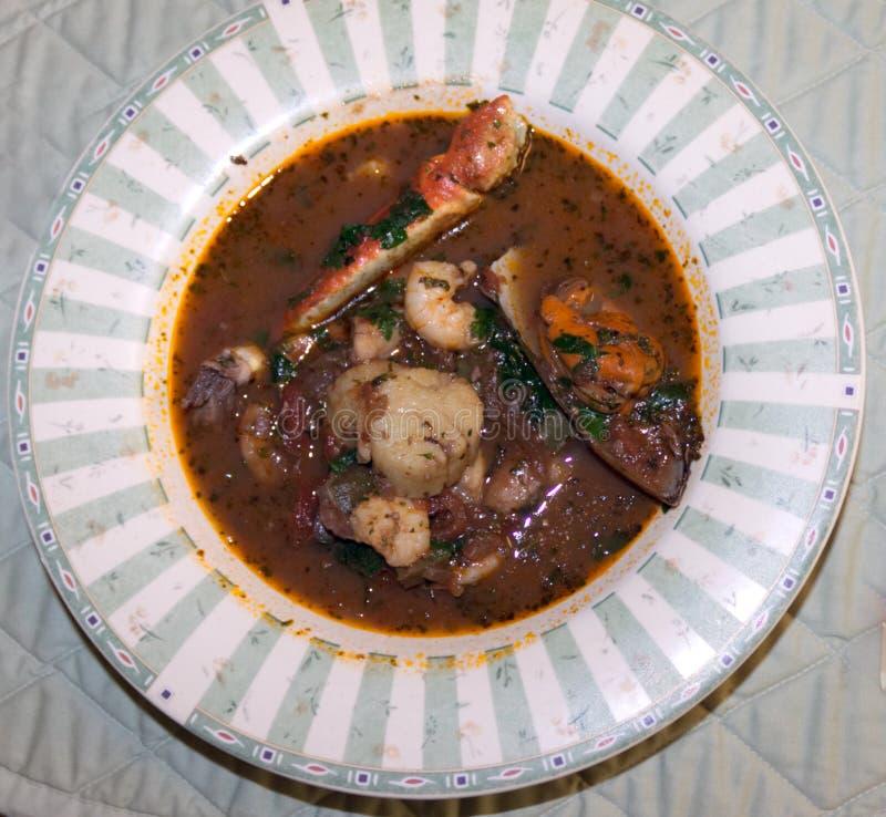 Bouillabaisse-Suppe oder Eintopfgericht lizenzfreies stockfoto