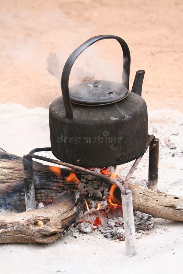 bouilloire bouillante image stock