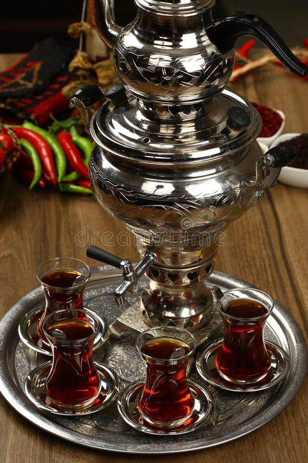 Bouilloire et thé photo stock