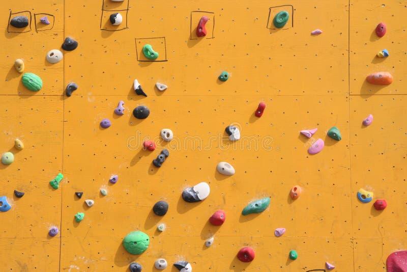 bouldering的墙壁 免版税库存照片