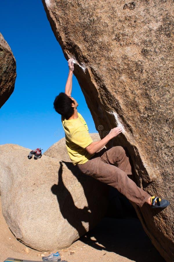 Bouldering in der Buttermilch stockfotografie
