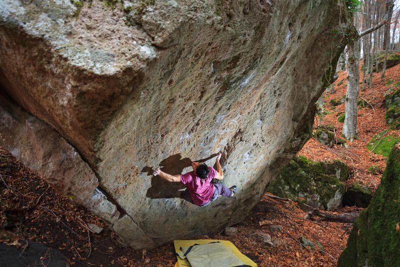 Bouldering en Toscane photos libres de droits