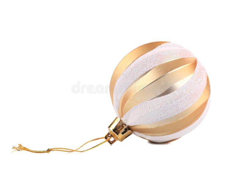 Boule d'or de Noël. photos stock