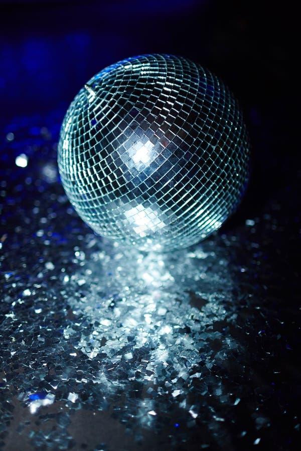 Boule de confettis et de disco photo stock