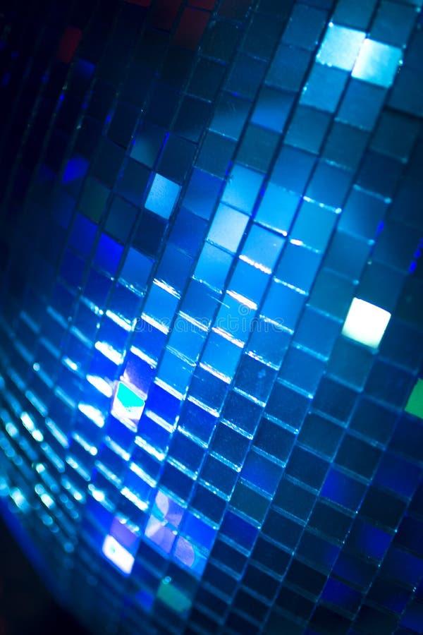 Boule de disco dans la boîte de nuit de partie de musique de maison d'Ibiza image libre de droits