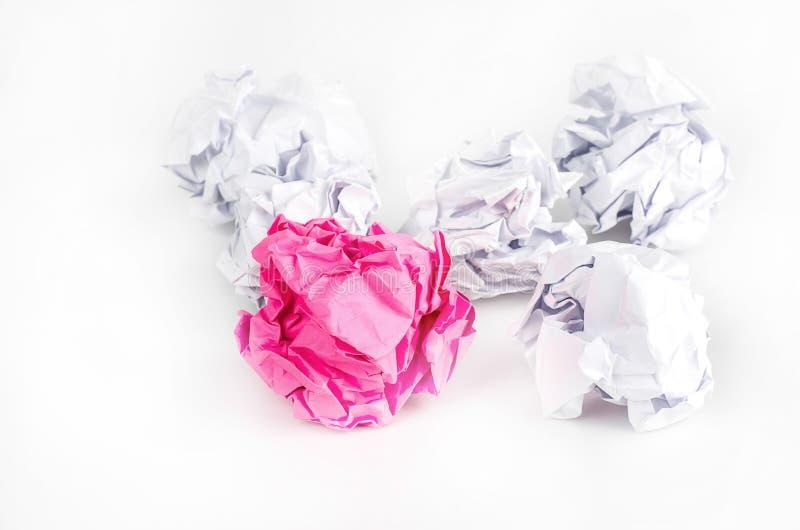 Download Boule De Papier Chiffonnée Sur Le Fond Blanc Photo stock - Image du ordures, matériau: 56476642